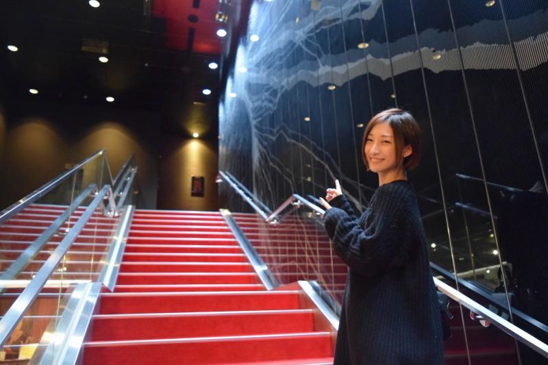 ブリリアショートショートシアター階段