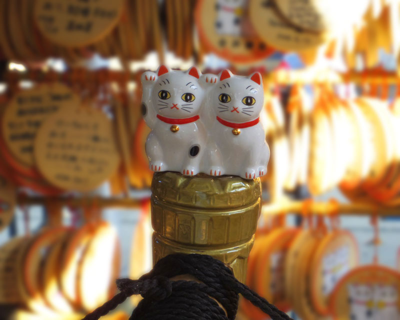 こちらは今戸焼という焼き物の招き猫の起源なのだ