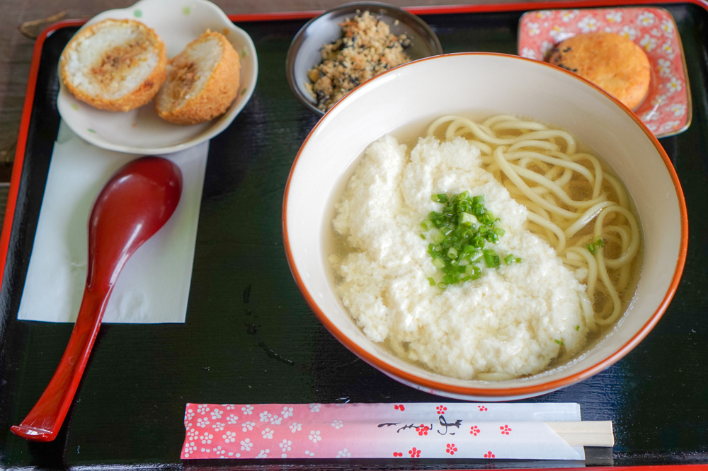 「ゆし豆腐そばセット」(680円)