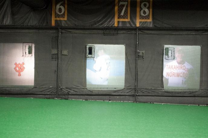 ヤクルトスワローズの小川投手と、楽天イーグルスの則本投手