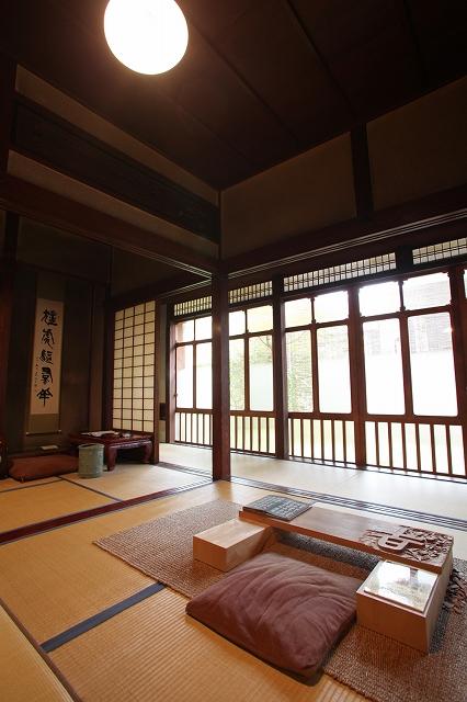 仕事部屋 写真提供:石川県観光連盟