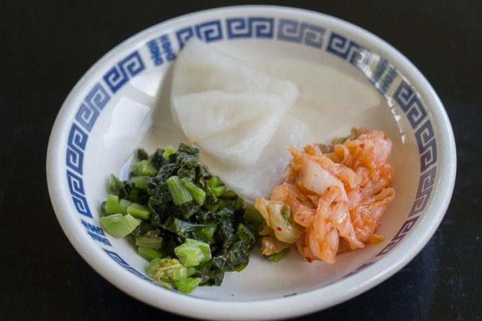 この日は大根漬け、高菜漬け、白菜のキムチの3種類