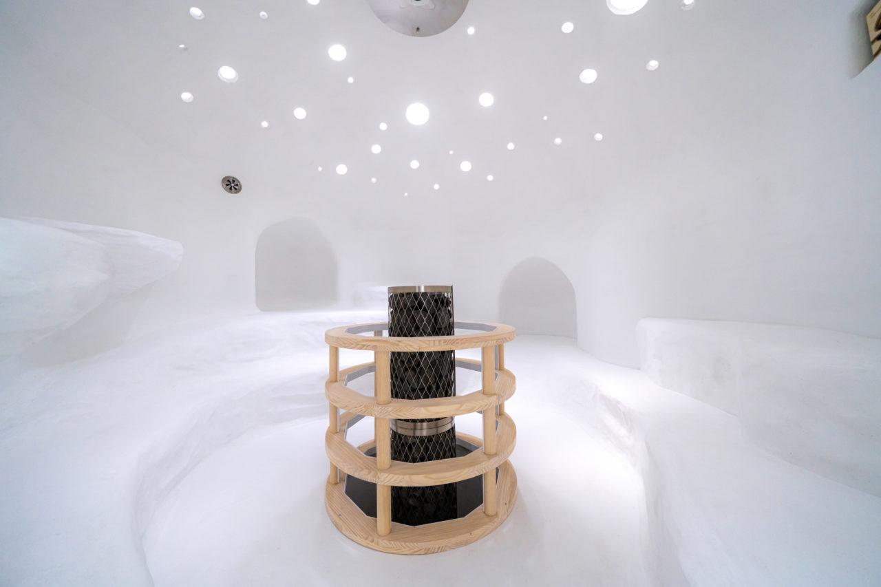 日本一のサウナ「らかんの湯」もある!アートと四季の風景が楽しめる「御船山楽園ホテル」
